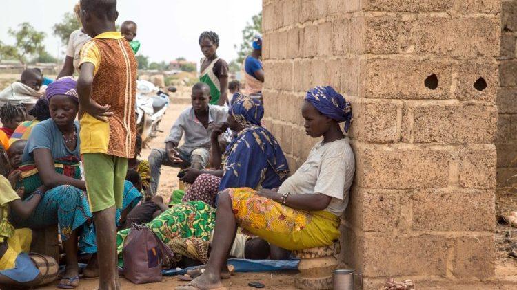 kutatás- afrikai nő, burkina faso