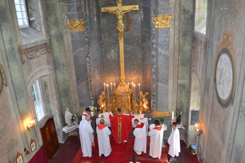 Kápolnabúcsú a Szent Kereszt felmagasztalása ünnepén Hejcén