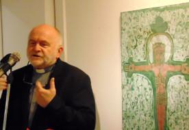 """""""Visszhangok"""" Tihanyban – Kiállítás Kákonyi Júlia műveiből az apátsági galériában"""