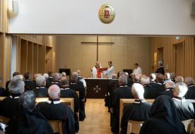 Bíborosi kápolnaavatás és oltárszentelés a máltai lovagok budapesti rendházában