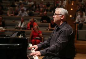 Afrika támogatására szólít a Sant'Egidio közösség  – Mocsári Károly adott jótékonysági koncertet