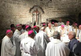 Szinódusi atyák egy csoportja megújította a Katakomba-paktumot