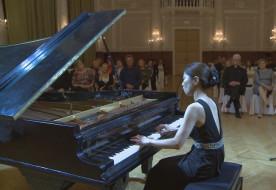 Koncerttel avatták fel a felújított hangversenyzongorát Székesfehérváron