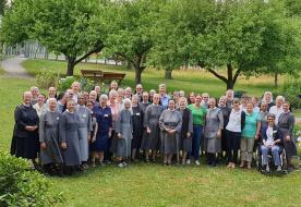 """""""A Szentlélek biztatására bátran az úton"""" – A keresztes nővérek tartományi káptalanja  Ausztriában"""