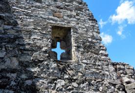 Megszentelt kövek között – Barangolások a Balaton mentén (2.)