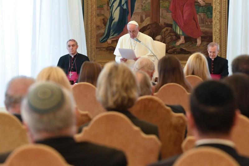 Ne veszítsük el a holokauszt emlékezetét! – A Simon Wiesenthal Központ képviselőit fogadta a pápa