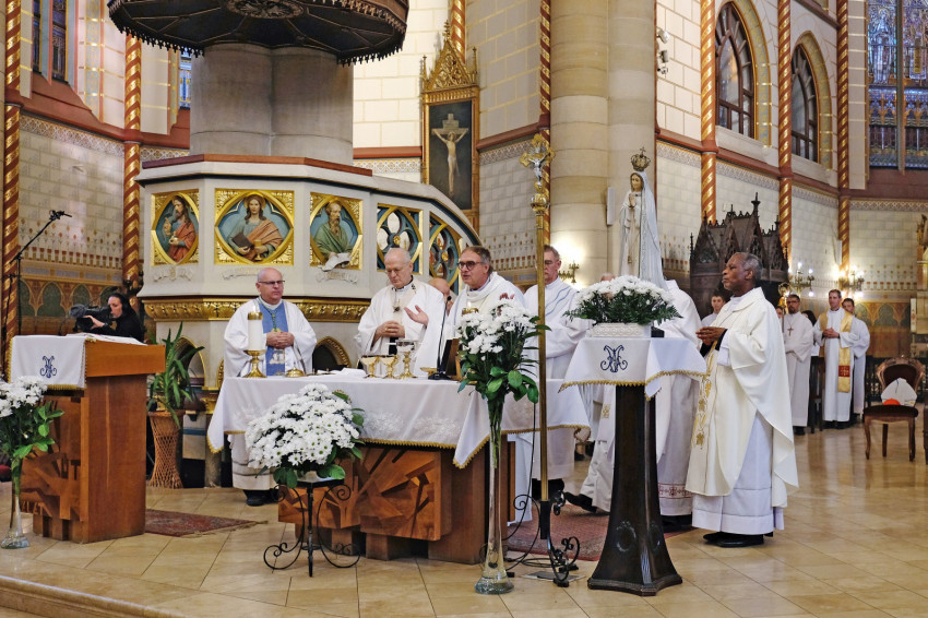 Budapest Klezmer Mise – Ősbemutató a budapest-erzsébetvárosi Árpád-házi Szent Erzsébet-templomban