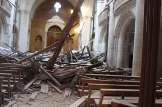 Sorban semmisülnek meg Aleppo templomai