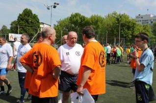 Palánki Ferenc püspök is focizott a Debreceni Sztárok között az ökumenikus focikupán