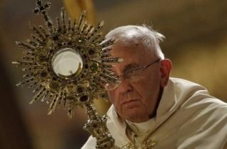 Ferenc pápa: Törjük meg és osszuk szét életünket másokért!