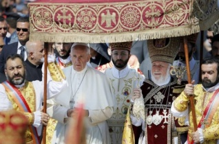 Ferenc pápa és II. Garegin közös nyilatkozata a két egyház kapcsolatáról és közös célkitűzéseiről