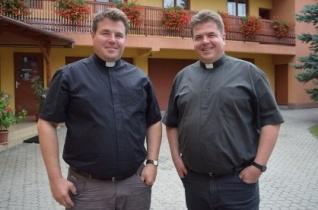Ikrek szolgálják augusztustól a székelyudvarhelyi Kis Szent Teréz-plébánia közösségét