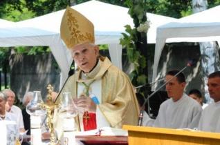 Búcsút ünnepeltek a 200 éves miskolci Szent Anna-templomban