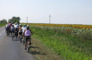 520 kilométert tekertek öt nap alatt a makói Szent István-iskola bringásai