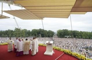 Ferenc pápa: Isten stílusa: kicsivé, közelivé és konkréttá válni.