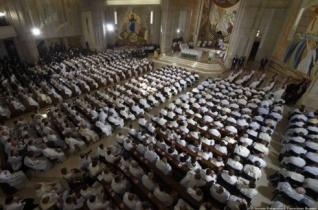 Ferenc pápa a papoknak: Írjátok tovább az evangélium lapjait az irgalmasság tetteivel!