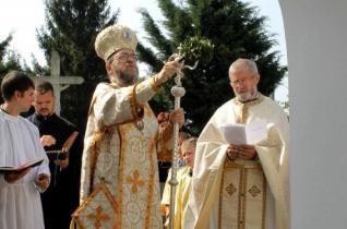 Szerencsen megáldották a felújított görögkatolikus templomot