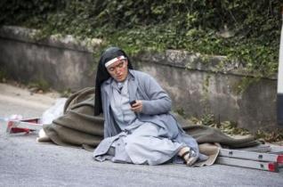 Három szerzetesnővért is keresnek Olaszországban a romok alatt