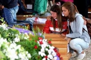 Eltemették az olaszországi földrengés amatricei áldozatait