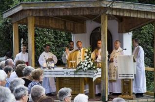 Búcsú a szekszárdi Remete-kápolnában