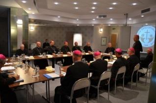A katolikus püspökök meghívják Ferenc pápát Romániába