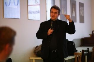 """""""Mi Atyánk"""" – Papp Miklós előadása a pesti ferenceseknél"""