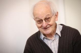 Szívből fakadó szavakkal – Jelenits István az 1956-os forradalom és a költészet kapcsolatáról