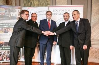 Egyházi intézményekkel írt alá együttműködési megállapodásokat az ELTE Szombathelyen