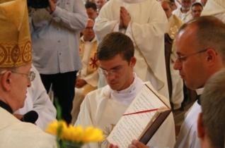 Tegyetek tanúságot! – Három papot szentelt Veszprémben Márfi Gyula érsek