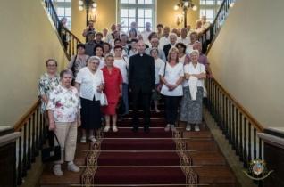 Papok szüleinek szerveztek találkozót Pécsett – KÉPRIPORT