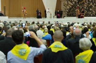Ferenc pápa: Jobb sántikálva haladni előre, mint múzeumi keresztényekké válni