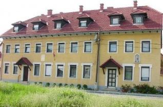 Egyetemista lányok jelentkezését várja a győri Szent József Diákotthon