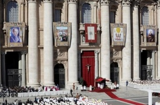 Harmincöt új szenttel gazdagodott az Egyház