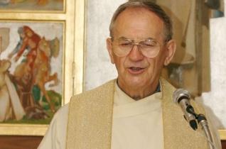 Elhunyt Kádasi István pápai káplán