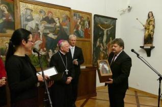Magyar művészek Mária-ábrázolásainak tárlata Krakkóban