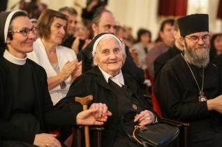 Kisfalusi M. Klavéria kapta a Szent Erzsébet rózsája-díjat