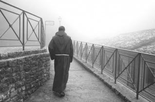 Kezdjük kicsiben! – Dobszay Benedek OFM szentmisét mutatott be a szegények világnapja alkalmából