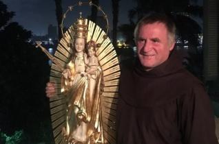 Böjte Csaba az erdélyi katolikusok legféltettebb kincsét vitte Egyiptomba