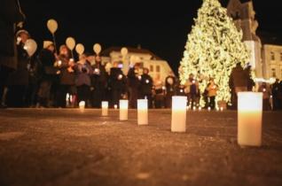 Csillagtestvérek éjszakája – Az elhunyt gyermekekért imádkoztak Kaposváron