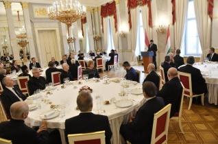 Áder János adventi ebéden fogadta a magyarországi történelmi egyházak vezetőit