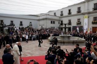 Ferenc pápa Santiago de Chilében: Az igazi fejlődés nem fordít hátat a földnek