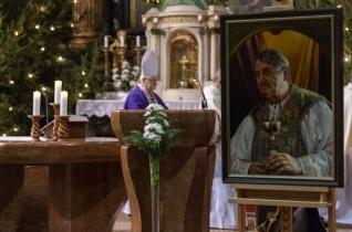 A szépség rajongója volt – Szilárdfy Zoltán lelki üdvéért mutattak be szentmisét Székesfehérváron