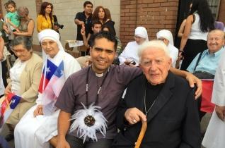A világ legidősebb püspökével is találkozott Ferenc pápa Chilében