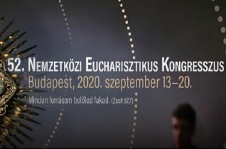 Az 52. Nemzetközi Eucharisztikus Kongresszusra készülve – Fábry Kornél tartott előadást Pozsonyban