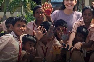 Németországból Indiába – Önkéntesként a HIV-fertőzött gyerekek közt