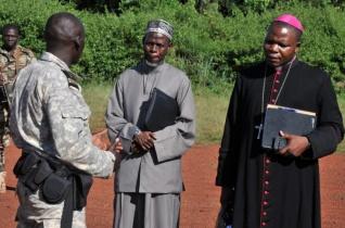 Közép-afrikai Köztársaság – A bíboros és az imám együtt tárgyalnak a harcban álló felekkel