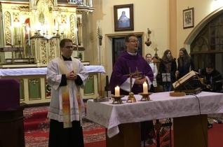 A szombathelyi Esti8-as és a budapesti Jezsuita Nyolcas fiataljainak közös szentmiséje