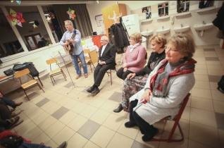Egy pici szeretet változást hozhat – Varga László látogatása egy kaposvári hajléktalanközpontban