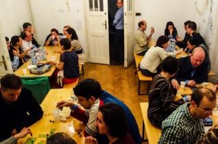 Társasozz, ismerkedj! – Közösségszervezés a Panágia önkéntese szemével