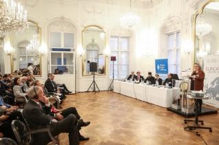 A romák integrációjáról és az egyházak szerepéről rendeztek konferenciát Budapesten